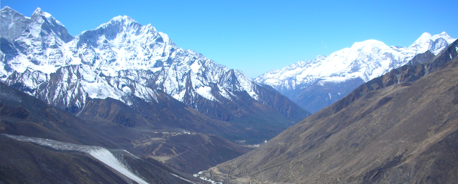 View of Thamserku from Dingboche